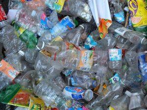 Лом пластиковых бутылок для домашних животных